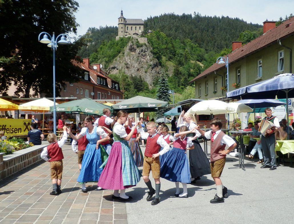 Heimat- und Trachtenverein St. Peter/Freienstein unter der Leitung von Herrn Schneeberger Alois (Foto: Gemeinde St. Peter/Frst.)